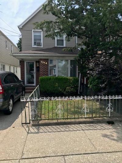 Brooklyn Single Family Home For Sale: 1344 East 59 Street