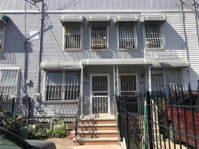 Brooklyn NY Single Family Home For Sale: $660,000