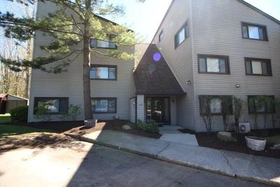 Condo/Townhouse A-Active: 5301 East Lake Road #26