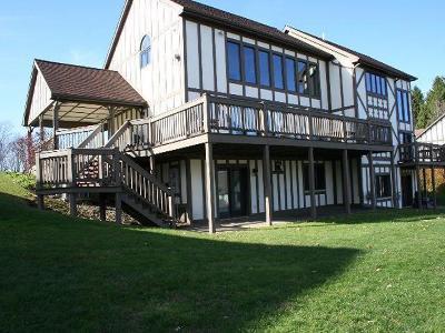 Condo/Townhouse A-Active: 8253 Canterbury Drive