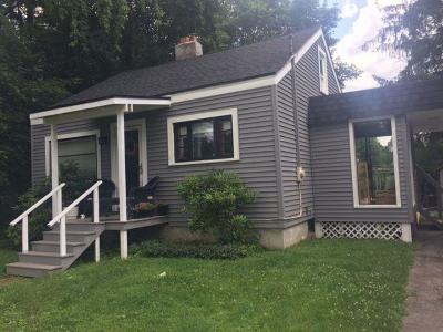 Single Family Home P-Pending Sale: 43 Bentley
