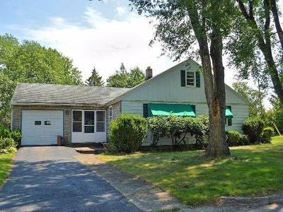 Jamestown Single Family Home A-Active: 25 City View Ave/Connecticut