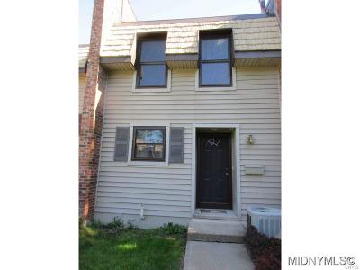 New Hartford Single Family Home C-Continue Show: 74 Chestnut Hills