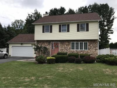 New Hartford Single Family Home C-Continue Show: 16 Fawncrest Blvd.