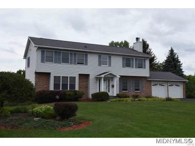 New Hartford Single Family Home A-Active: 10 Heatherwood Drive