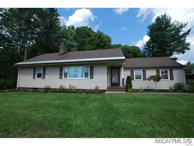 Utica NY Single Family Home For Sale: $219,000
