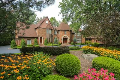 Clarence Single Family Home A-Active: 9700 The Pines