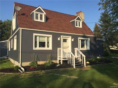 Multi Family 2-4 A-Active: 5225 Bay View Road