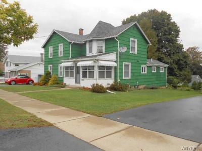 Oakfield Single Family Home C-Continue Show: 88 North Main Street