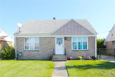 Cheektowaga Single Family Home A-Active: 243 North Pleasant Parkway
