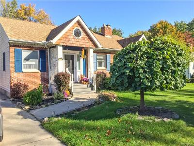 Amherst Single Family Home A-Active: 1118 Dodge Road