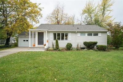 Amherst Single Family Home A-Active: 49 Bennington Road