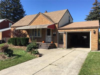 Cheektowaga Single Family Home A-Active: 174 Nokomis Parkway
