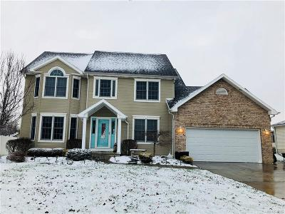 Single Family Home A-Active: 256 Enchanted North