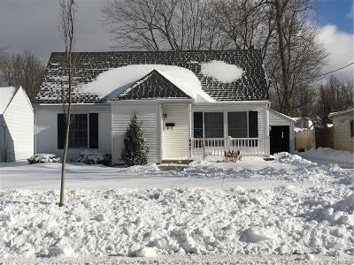 Amherst Single Family Home A-Active: 447 Ivyhurst Road North