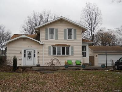 Single Family Home C-Continue Show: 923 Gwinn Street