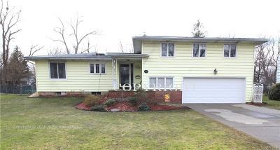 Amherst Single Family Home A-Active: 40 Colony Court