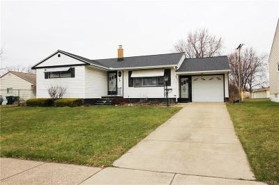 Single Family Home P-Pending Sale: 72 Alliger Drive