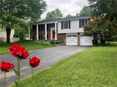 Orchard Park Single Family Home A-Active: 38 Regalwood Drive