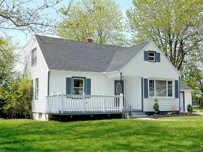 Amherst Single Family Home A-Active: 205 Royal Parkway West
