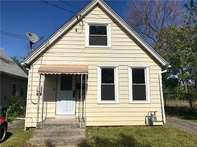 Single Family Home A-Active: 15 Lincoln Street