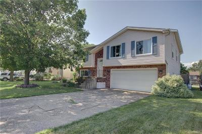 West Seneca Single Family Home A-Active: 102 Oakbrook Drive