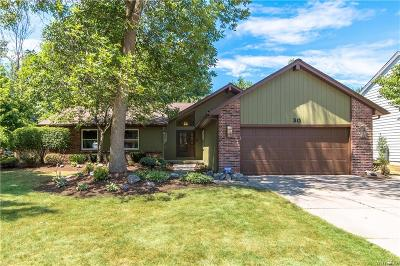 Erie County Single Family Home A-Active: 30 Towhee Court