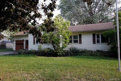 Single Family Home A-Active: 533 Lockport Street
