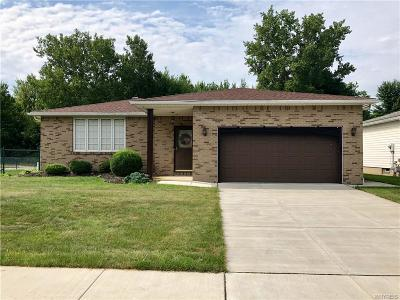 Single Family Home U-Under Contract: 3 View Court