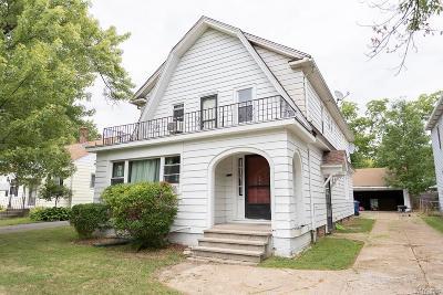Amherst Multi Family 2-4 P-Pending Sale: 403 Windermere Boulevard