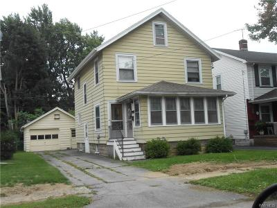 Multi Family 2-4 A-Active: 16 Kingsbury Avenue