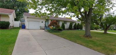 Amherst Single Family Home A-Active: 783 Edgewater Drive