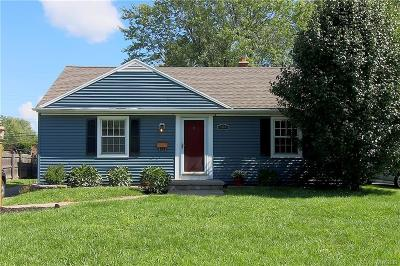 Amherst Single Family Home U-Under Contract: 509 Lakewood Parkway