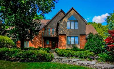 Orchard Park Single Family Home A-Active: 22 Hillsboro Drive
