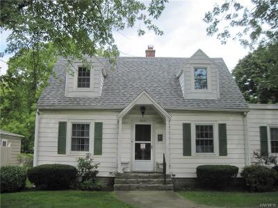 Lewiston NY Single Family Home A-Active: $180,000