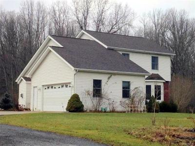 Grand Island Single Family Home A-Active: 1402 Glen Avon Road