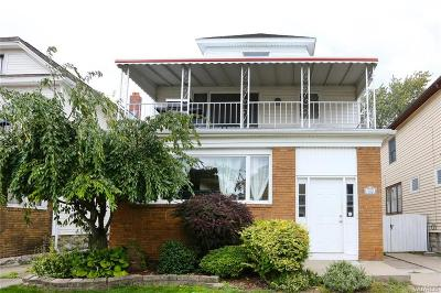 Multi Family 2-4 A-Active: 302 Hartwell Road