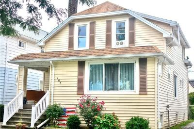 Multi Family 2-4 A-Active: 406 Kinsey Ave