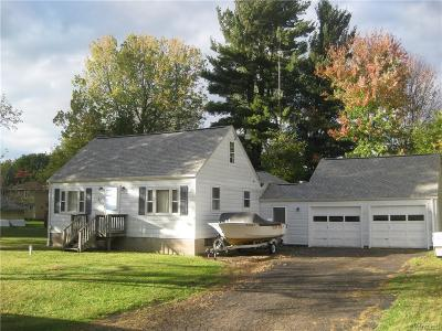 Orchard Park Single Family Home A-Active: 27 Meadowlawn Road
