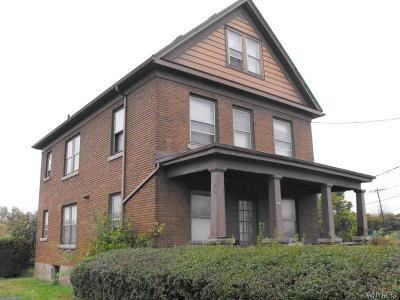 Niagara Falls Multi Family 2-4 P-Pending Sale: 3811 Packard Road
