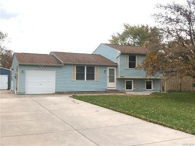 Single Family Home A-Active: 6590 Royal Parkway North