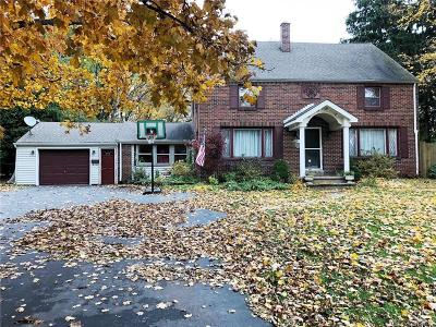 Orchard Park Single Family Home A-Active: 257 South Lincoln Avenue