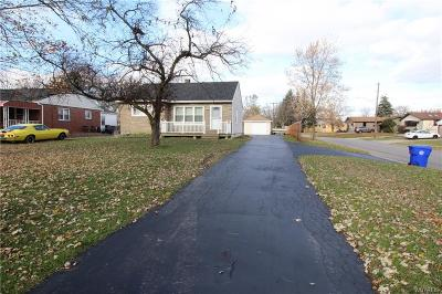 West Seneca NY Single Family Home P-Pending Sale: $119,888