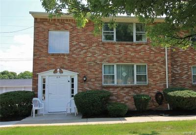 Amherst Condo/Townhouse A-Active: 61 Old Lyme Drive #A