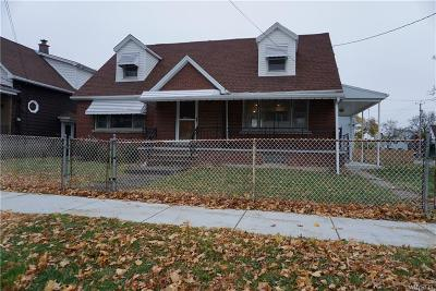Niagara Falls Single Family Home U-Under Contract: 2030 Independence Avenue