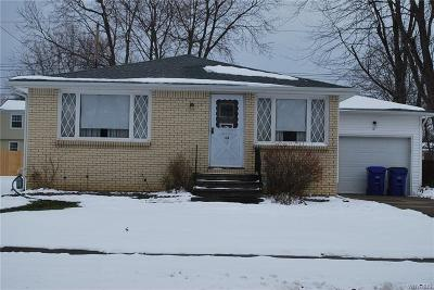 Erie County Single Family Home A-Active: 44 Carriage Park