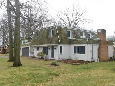 Lewiston NY Single Family Home A-Active: $249,900