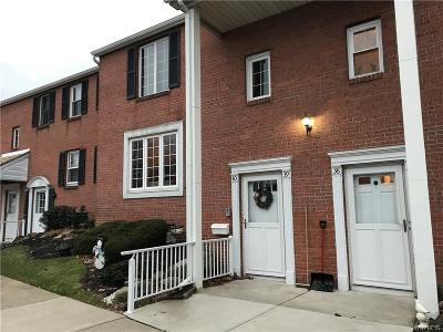 Lancaster Condo/Townhouse U-Under Contract: 3905 Bowen Road #39