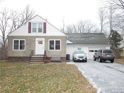 Lewiston NY Single Family Home A-Active: $154,900