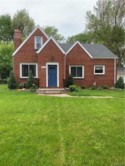 Amherst NY Single Family Home A-Active: $272,000